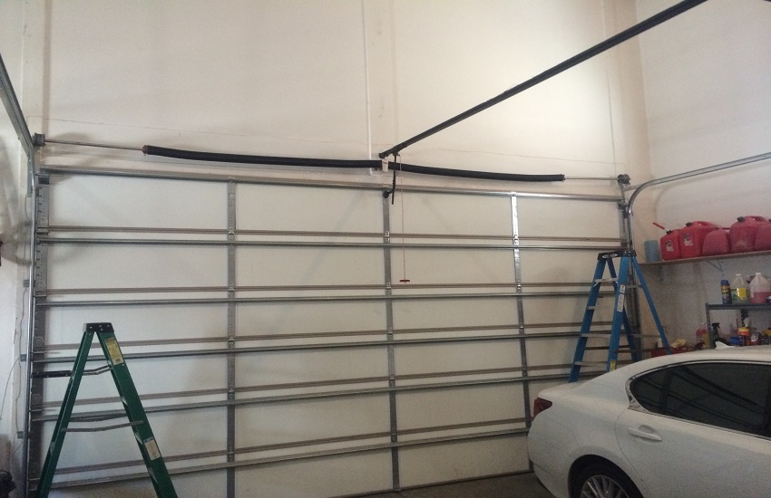 Garage Door Repair Services in Panorama City