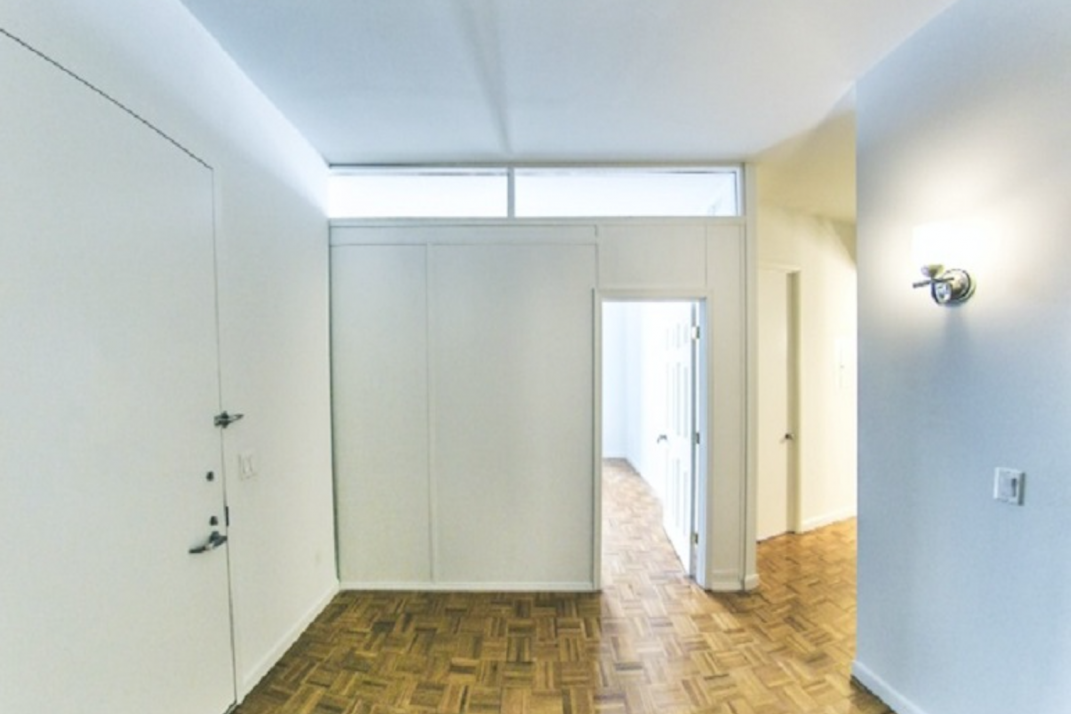 Pressurized Wall NYC 10 Earning Idea to Turn Free Space into Renting Side